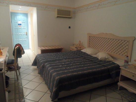 Mitsis Rhodos Village Beach Hotel: Chambre