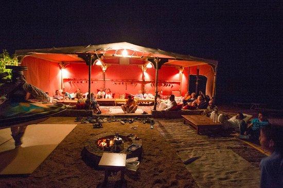 Dahab Hotel: Вечерние посиделки