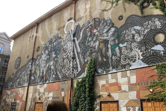Alternative Gdansk - Free Walking Tours: mural in the city centre