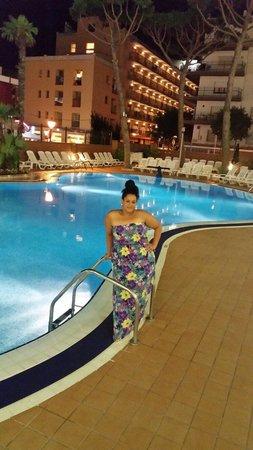 Hotel Mar Blau: Pase una luna de miel espectacular