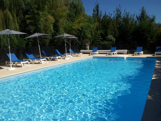 La Nesquiere : piscine