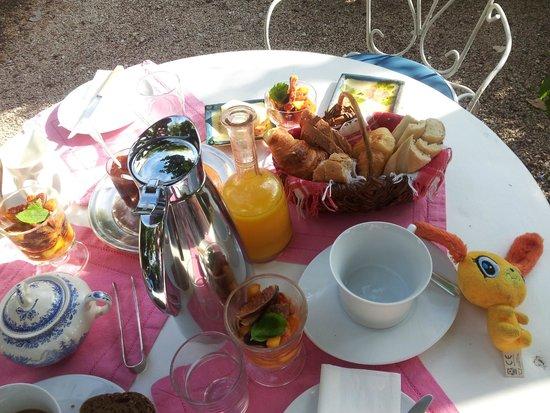 La Nesquiere : petit déjeuner...