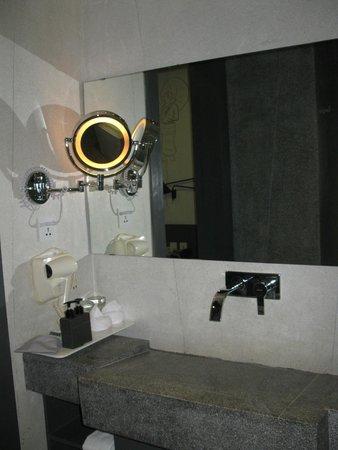 TEAV Boutique Hotel: The bethroom