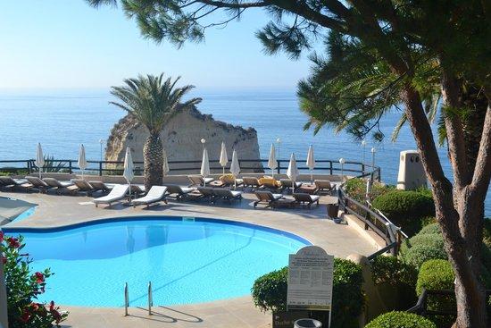 Vilalara Thalassa Resort : piscina restaurante