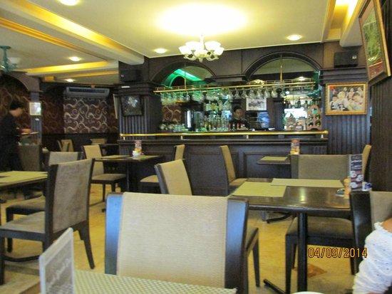 Best Western Hotel La Corona Manila: Dining