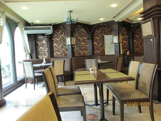Best Western Hotel La Corona Manila : Dining