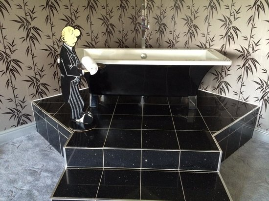 Cricklade House: Suite 88: The Freestanding Bath