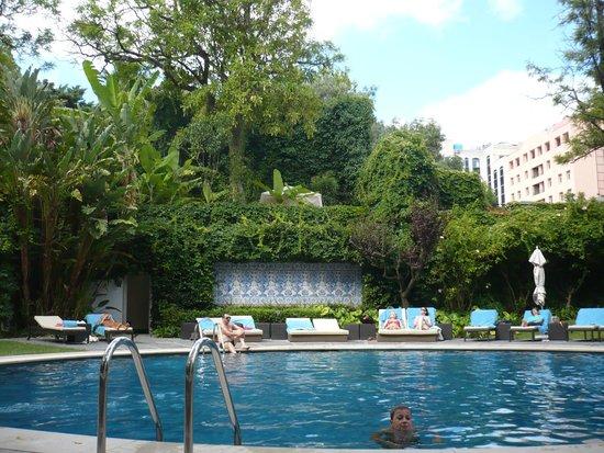 Acceso piscina photo de tivoli avenida liberdade lisboa for Jardines tivoli zona 9