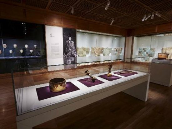 Art Gallery of New South Wales: Theatre of Dreams exhibit