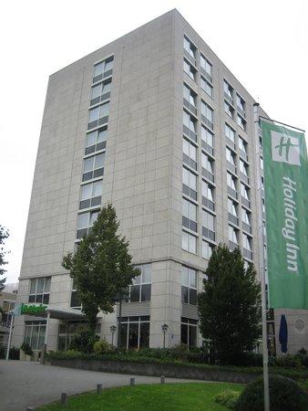 Holiday Inn Düsseldorf-Neuss: ホテル外観