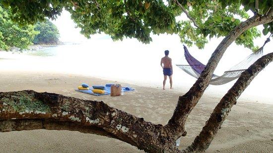 Gaya Island Resort: picnic at the private beach