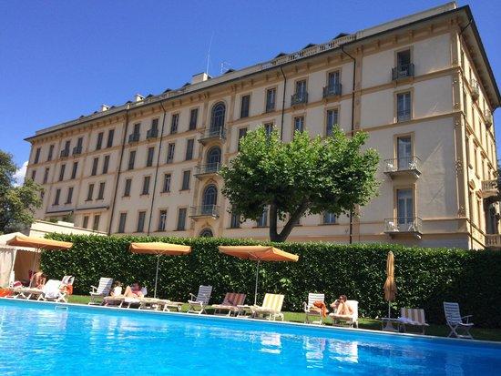 Бассейн отеля Grand Hotel Victoria
