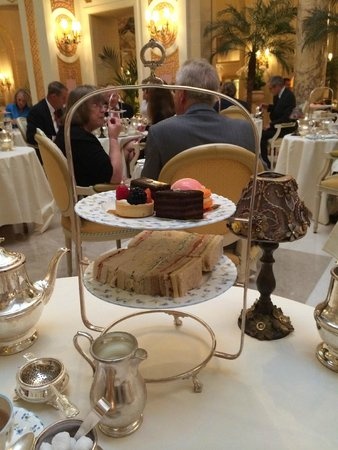 Afternoon Tea: Cake stand