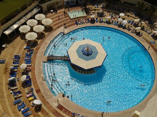 Pestana Delfim Hotel: Pool and bar