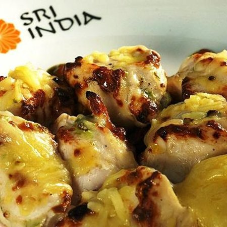Sri India: Garlic Chicken