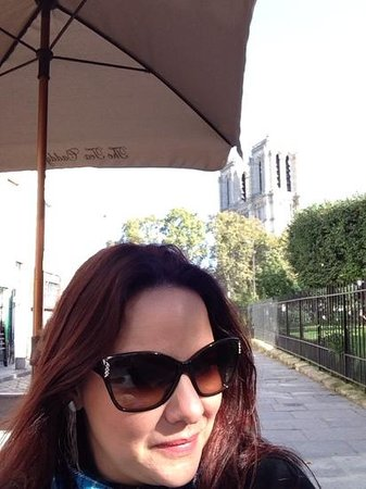 The Tea Caddy: ao fundo a Catedral de Notredame
