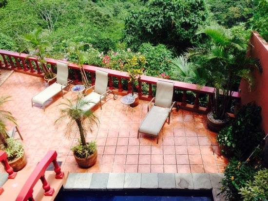 Casa Bella Rita Boutique Bed & Breakfast: View of the terrace from red living-room