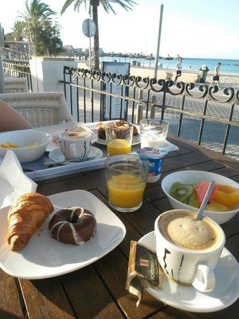 UR Azul Playa: Breakfast terrasse