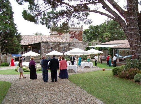 Pazo da Touza: El patio donde se sirven los entrantes antes del banquete de boda