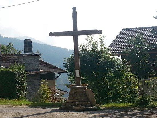 La Pineta: La croce di Sant anna