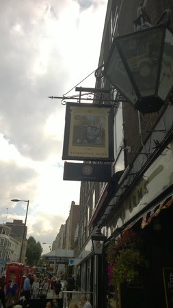 Bayswater Arms: insegna pub