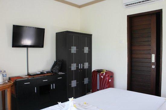 Bayu Guest House: Rama room