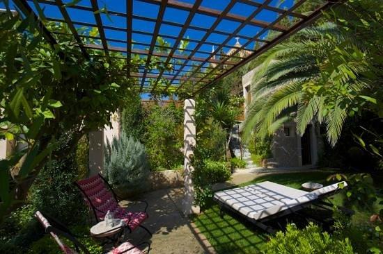 Jardi d'Arta Boutique-Hotel: Entspannung pur in der schönen Gartenanlage