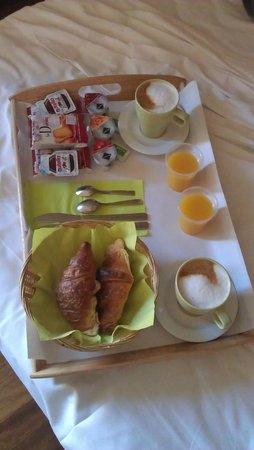 Le Suite di via Catone: La colazione