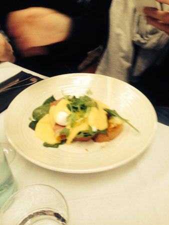 Peterson House: Eggs Benedict