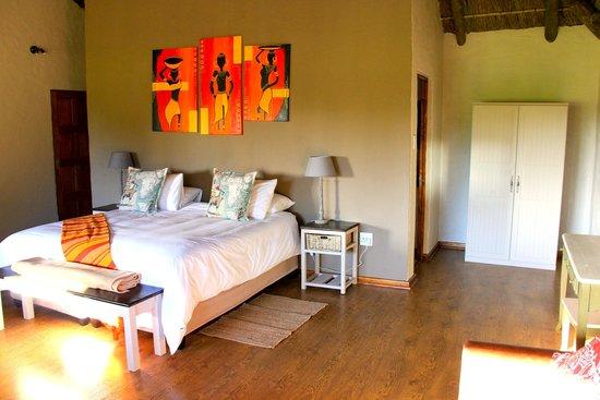 Chrislin African Lodge: Sunset hut