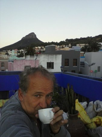 La Rose Bed & Breakfast: Coffee time - Sunrise on the Terrasse roof top