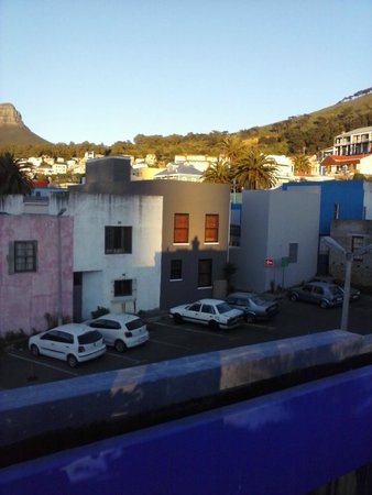 La Rose Bed & Breakfast : Cape town buildings from the terrasse of La Rose b&b @sunrise