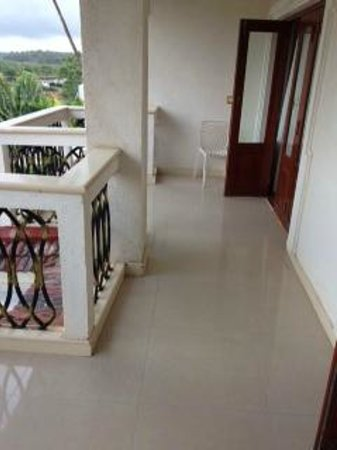 White Pearl Suites: Balcony