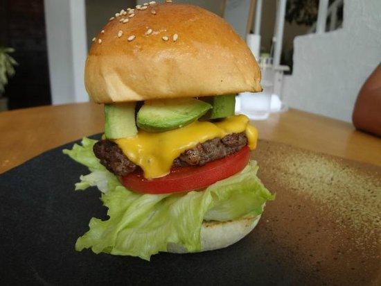 Toto la Bebe Hamburger: アボカド、最高!!