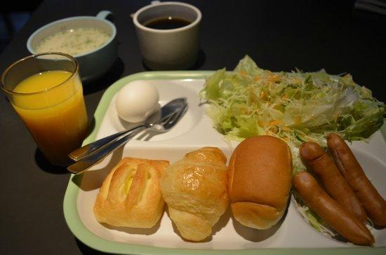 Hotel Villa Fontaine Kudanshita: Breakfast