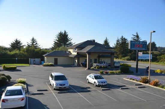 Anchor Beach Inn: The reception