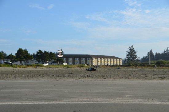 Anchor Beach Inn as seen from the beach