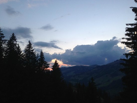 Rinderberg Swiss Alpine Lodge : Späte Anreise im September. Blick vom Balkon.
