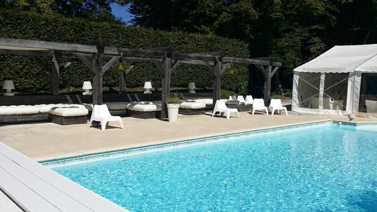Lubersac, Prancis: Beautiful pool