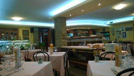 Ristorante 75: Vista sala ristorante