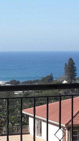 Umthunzi Hotel & Conference : Sea view from the honeymoon suite balcony.