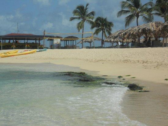 Simpson Bay Resort & Marina : beach