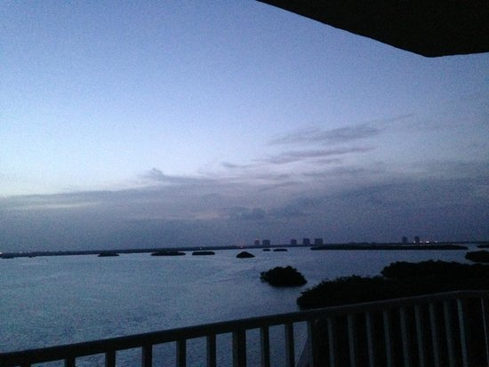Lovers Key Resort: Early morning view