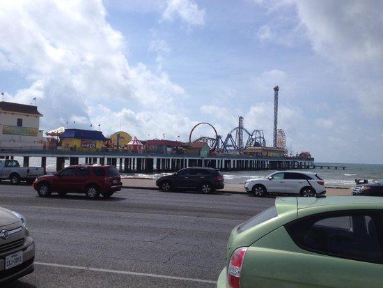 Port of Galveston : Pleasure Pier at Galveston, TX.