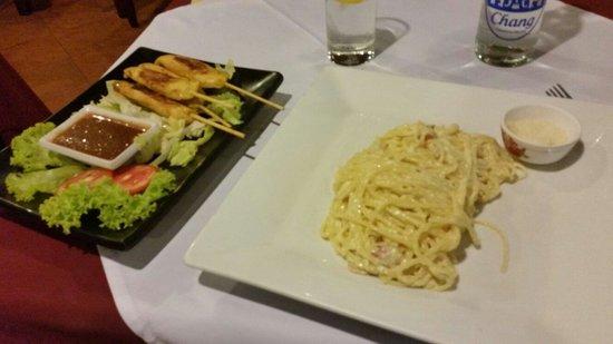 Napoli Ristorante Pizzeria: A little Thai, a little Italian.