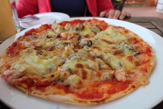 Le Gecko: Pizza Sapa with fresh base, like it!