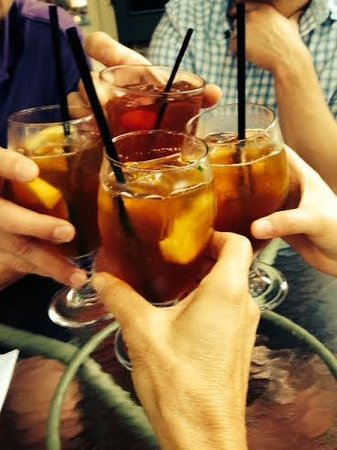 The Carolina Inn: Pimms Cup on the Porch