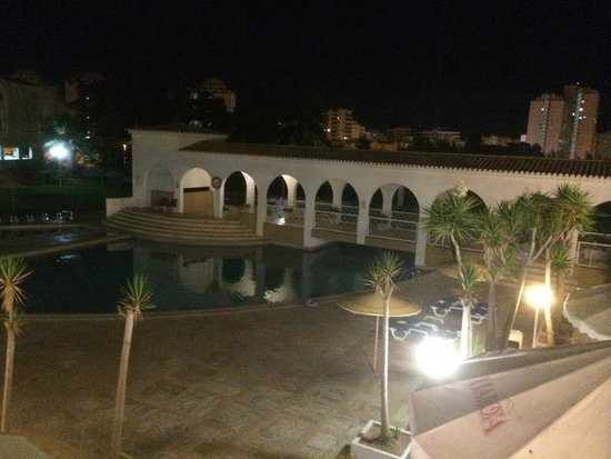 Vila Rosa Hotel : Pool and the BBQ area from the first floor (reception Balcony)