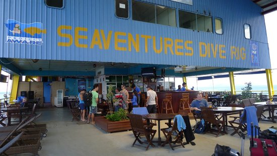 Seaventures Dive Rig: Lobby