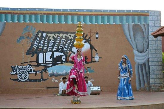 Vijayshree Resort & Heritage Village: Kalbeliya Dance